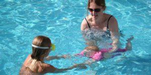Buzymum - K learning to swim