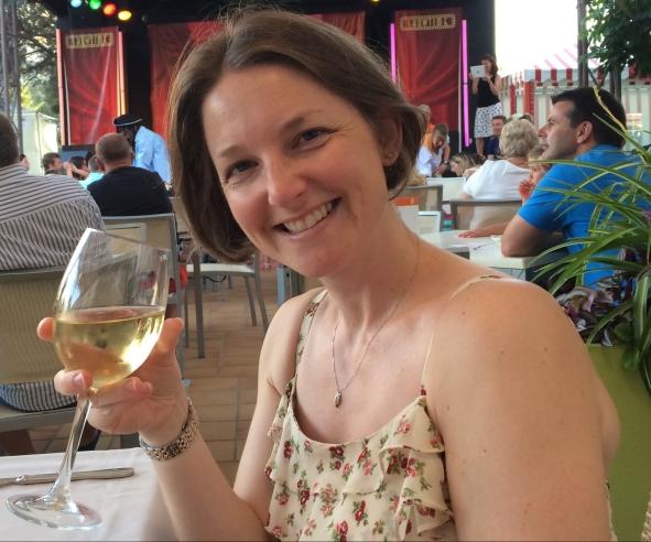 Buzymum - Drinking wine!