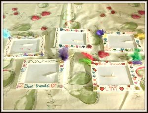 Buzymum - The kids decorated wooden photo frames