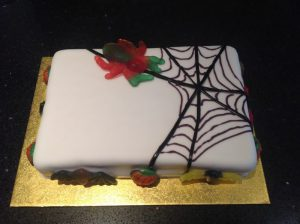 Buzymum - Home-decorated halloween-theme birthday cake