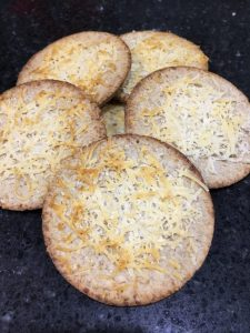 Buzymum - Crackers with parmesan