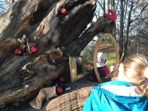 Buzymum - Looking in the magic mirror at the Snow White stop