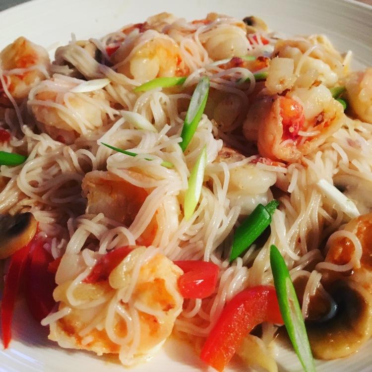 Buzymum - Garlic and chilli noodles with spring onion garnish