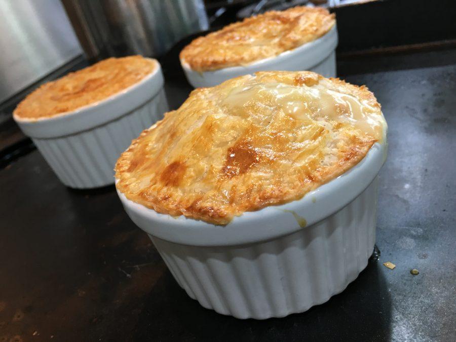 Buzymum - Cheesy, chicken and leek pies